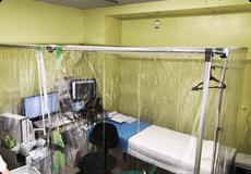 写真:陰圧室及びオゾン空気清浄機